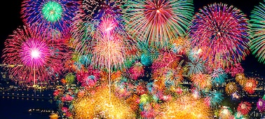 Fireworks showing extreme contrast and real life depth