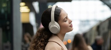 WH-1000XM4 headphones on a platform